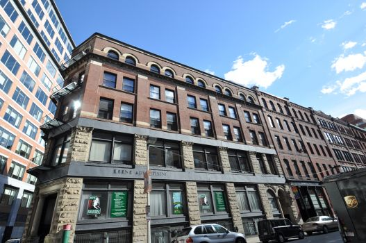Click for 76-86 South Street Condominium slideshow